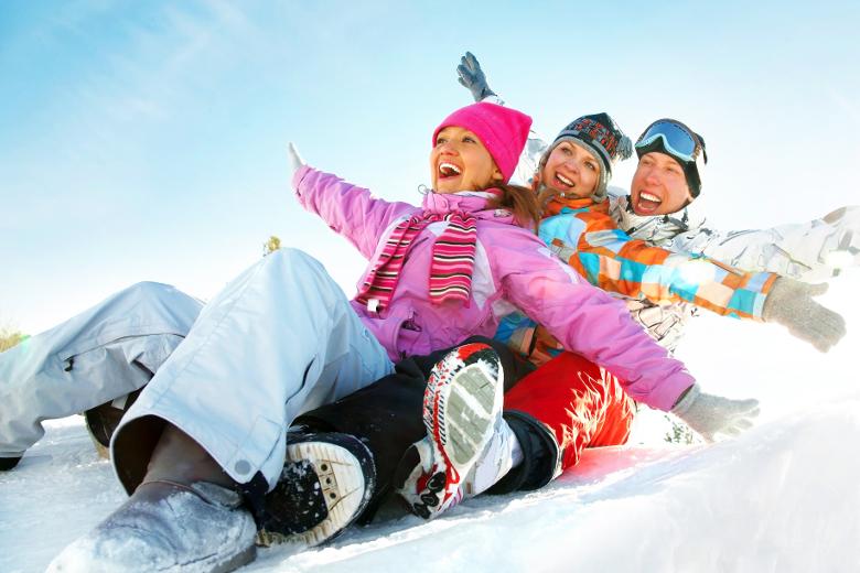 Spaß im Schnee mit Freunden