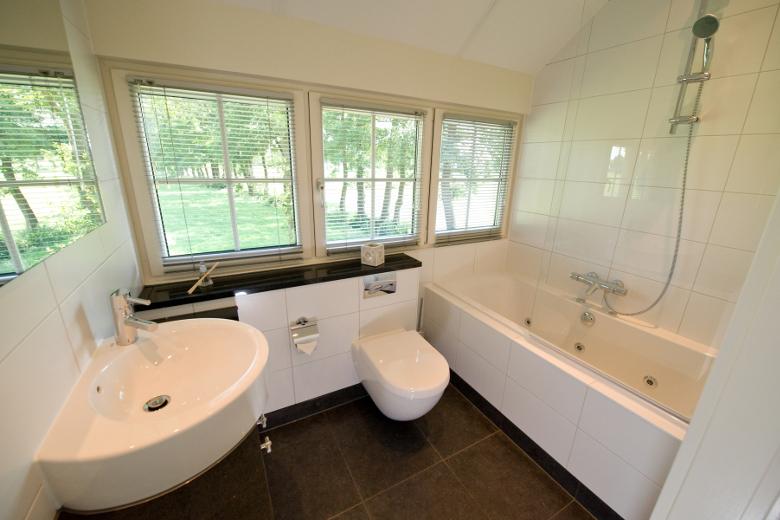 Badezimmer Hof van Salland